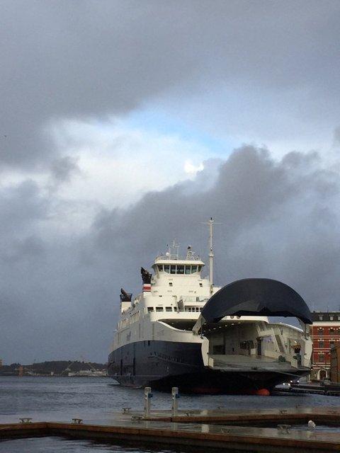 NØDHAVN: Gassferjene som til daglig trafikerer i Boknafjordsambandet har 2. juledag lagt seg til i Vågen i Stavanger. Foto: Statens Vegvesen