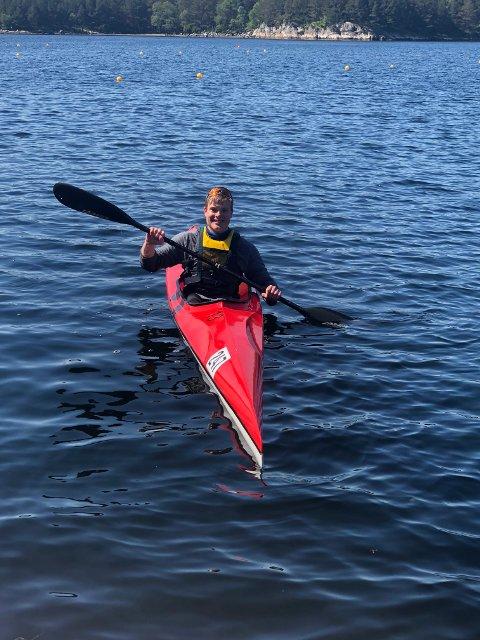 FRIHET: Jesper Saltvik Pedersen har tilbringt mye tid på vannet i sommer, og utelukker ikke muligheten på å satse på padling de neste årene.