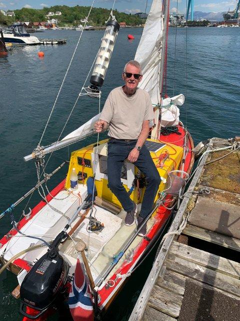 TIL SHETLAND: - Ingen har seilt i en så liten båt til Shetland som det jeg skal gjøre i sommer, sier stordabuen Audun Nordhus, her med sin 12 fots pram.