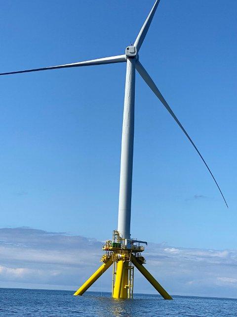 NYKOMMER: Vindturbinen TetraSpar ble nylig installert utenfor Karmøy. Nå skal den danske turbinen testes  i det værutsatte området.
