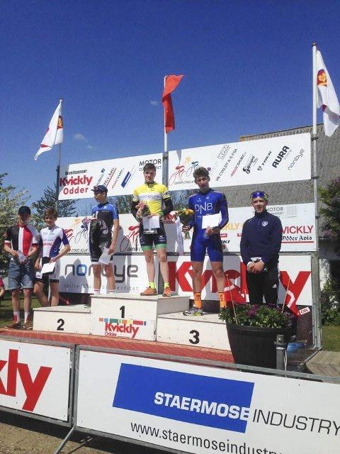 Pallen: Daniel Årnes i Tour de Himmelfart i Danmark. Her er pallen på tempoen (3. etappe). Vinneren Einar Liseth Pedersen, Åsane CK sammen med nummer to Morten Stampe, CK Aarhus og Daniel Årnes.