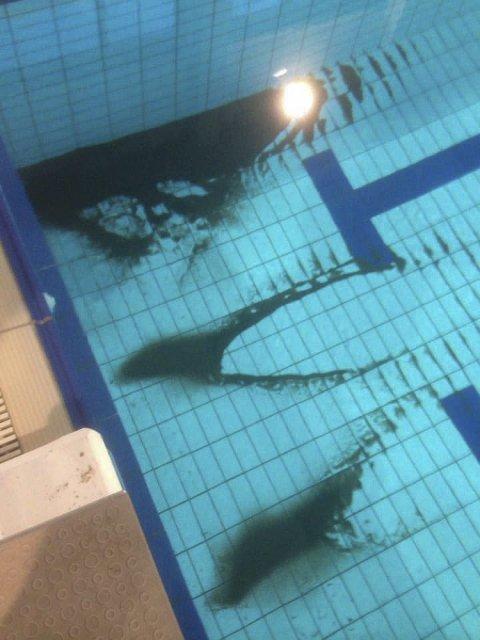 RENSESAND: Det ble på tirsdag oppdaget sand i bassenget i Lakselv.Foto: Lakselv Svømmeklubb