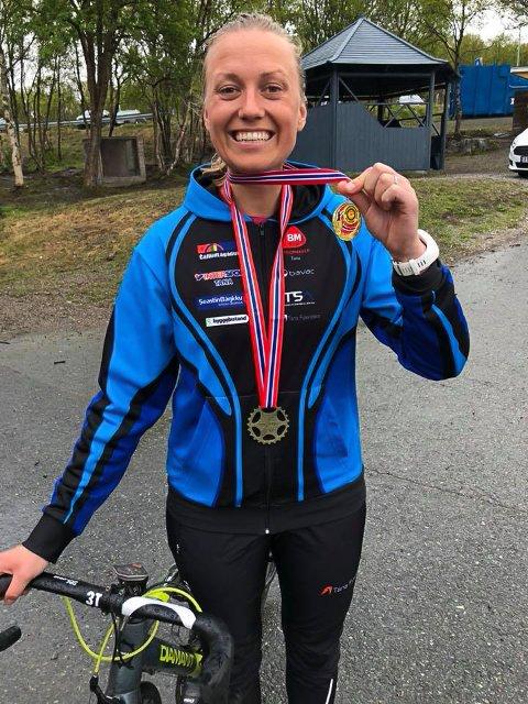 DOBBELT OPP: Miriam H. Hellstrøm gjorde storeslem i sin debut på regionmesterskapet i sykling.