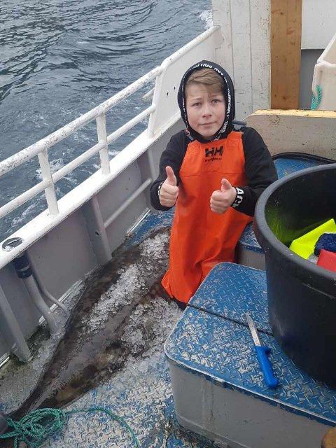 FLAKS: Eldar (12) får alltid fisk. Takket være ordningen med ungdomsfiske, er han godt igang med karrièren på båt.