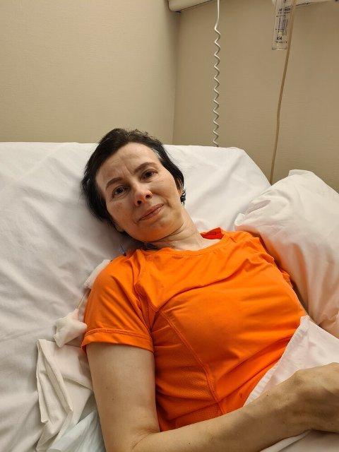 TAPTE KAMPEN: Inga Marit Anne Utsi (48) fotografert i sykesenga. 24. juli i år sovnet hun stille inn
