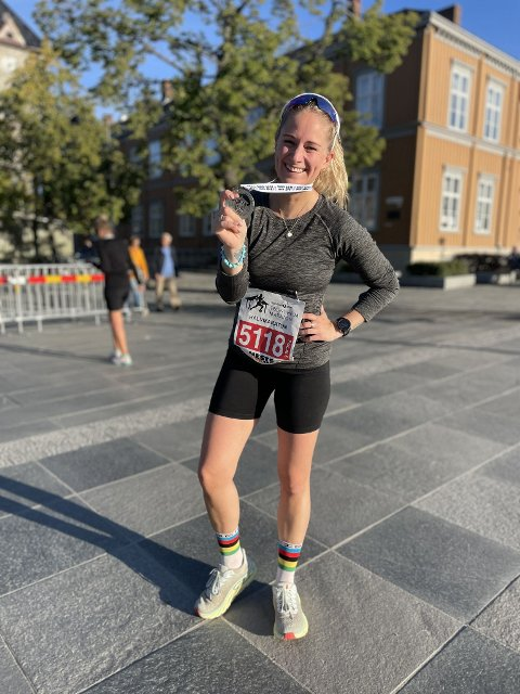 GJENNOMFØRTE: – Det handlet ikke bare om å gjennomføre et løp, det var mer enn det, forteller Jorid Kjølsvik Selseth som både ropte og gråt etter målgang under Trondheim Maraton lørdag.