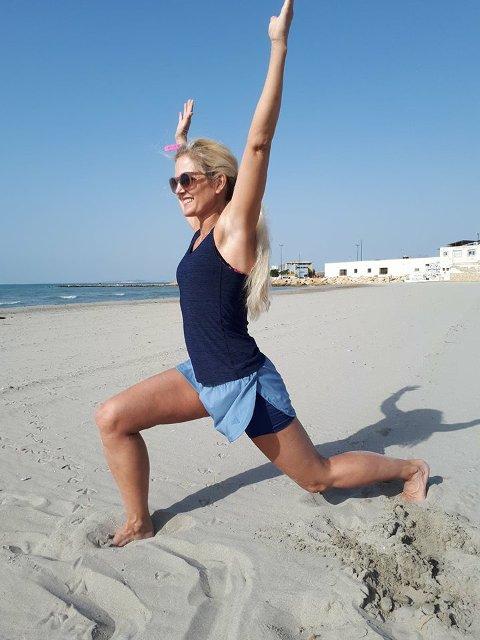 Tøy og bøy: Heidi Berger på stranda.
