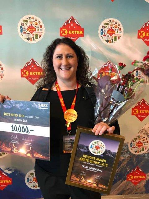 Butikksjef Anita Ullerud er stolt over at Extra Sørumsand er blitt regionsvinner, og en av tre nominerte til årets butikk i Extra-kjeden i Coop.