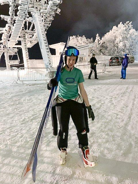 KLAR: Jonas Pettersen (15) er klar for å ta sats på sin aller største hoppbakke i helgen.