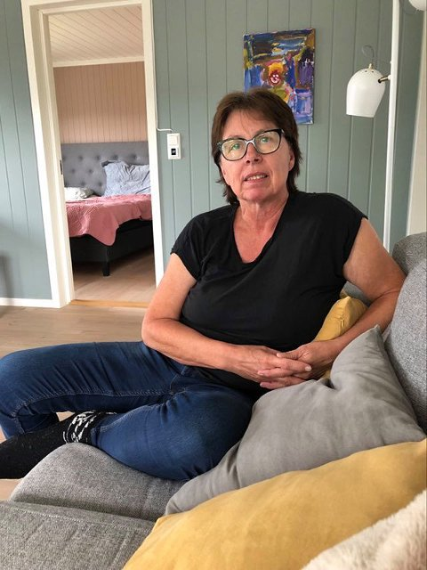 Berit Solbakken har fulgt mannen siden han var guttunge i Eidsfoss, og hun var avlastningshjem for han. Siden har hun i flere år vært hans støttekontakt. Nå er hun sterkt bekymret hans forestående flytting til ny bopel i Re.