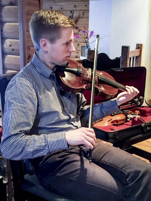 Ung: Hermann Gautefald skal spille fele under konserten.