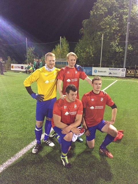 Keeper Gunnar Svendseid og hat trick-helt Sander Heimdal bakerst. Leo Kåsa og Sander Nordbø foran.