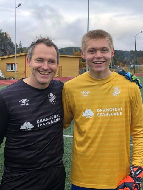 Einar Odden (36) og a-lagsdebutant og mulig arvtaker Sondre Straand (15).