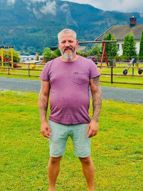 Tommy Søyland kom seg ut av rusmiljøet og jobber i dag for Vitalis helse Kragerø.