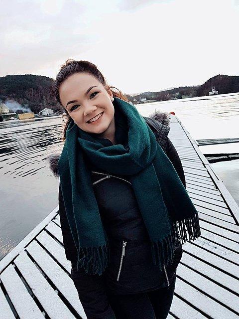 SANKTHANSFESTIVAL: Kontaktperson Sølvi Marie Berge skal laga til festival her på kaien i Fjelbergsund i sommar. Det gjer ho saman med ungdommane i Fjelberg Bygdalag (foto: privat).