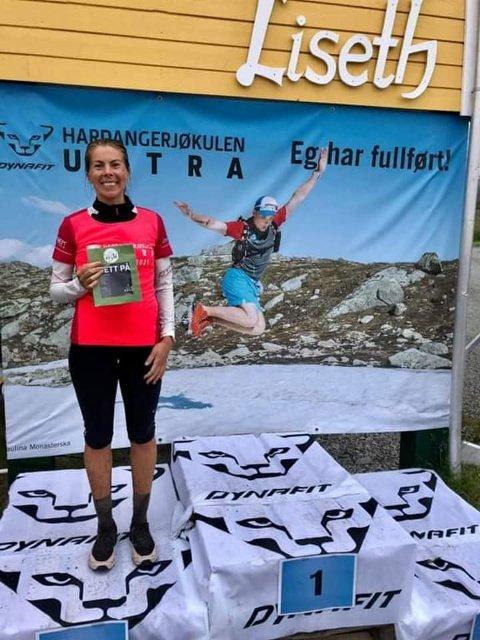 RÅSKINN: Martha Sofie Teigen Varanes (30) kunne smila breitt etter den imponerande prestasjonen ho hadde i «Dynafit Hardangerjøkulen Ultra» i Eidfjord i helga. Bildet er lånt frå Facebook-sida til arrangøren, Xtreme Eidfjord.