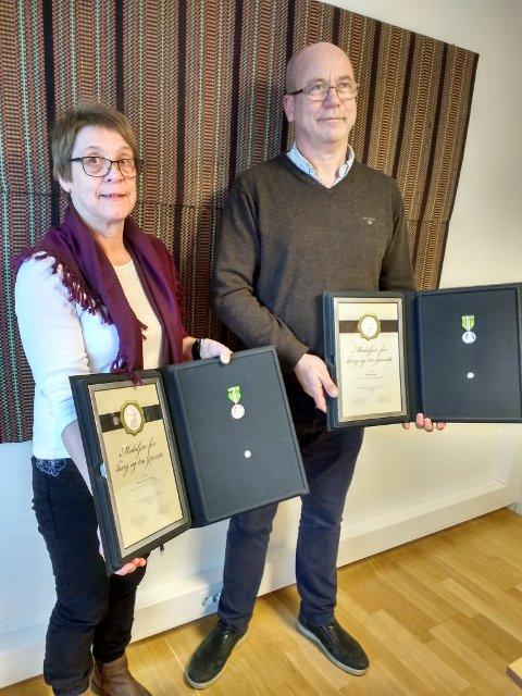 Glade medaljemottakere Oddrun Hoffart Ulland og Trygve Aasen.