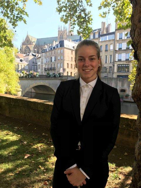 Victoria i Metz, hvor hun går på skole.