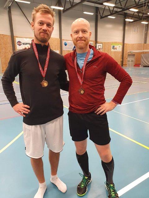 I tenkeboksen: Ildsjelene i Lier IL crossminton, Erik Damstuen Brandt og Morten Påsche vurderer nå å trekke seg ut av Lier IL om ikke betingelsene angående treningstider og treningsavgifter bedrer seg. Mens idretten vokser sterkt i resten av verden er det tilbakegang i Norge. I lørdagens åpne norske mesterskap i Syllinghallen deltok 17 spillere. For to år siden var det 30 deltakere i NM på samme sted.