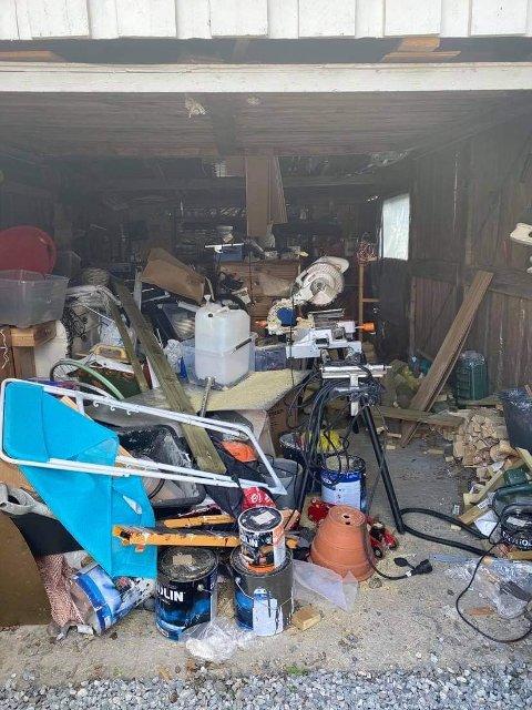 FØR: Før ble garasjen brukt til oppbevaring av ting og skrot.