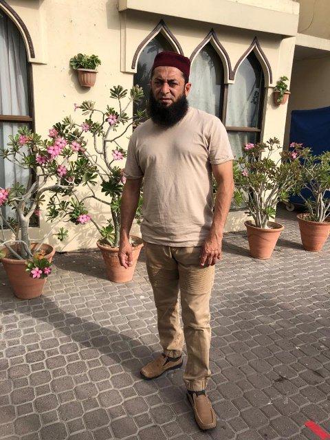 REISEBYRÅ PÅ HALAL: Talieeb Khan kjører muslimske turister rundt i hele Norge.