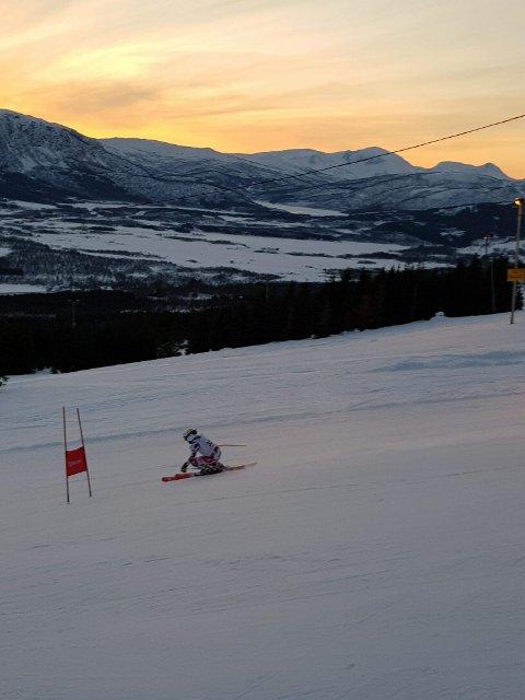 VANT: Her suser Eirik Johansen ned til en av sine to triumfer i helga.