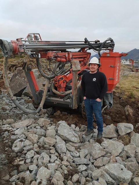 FAGARBEIDER: Fra og med onsdag kunne Knut-Martin Kristensen kalle seg for fagarbeidet i fjell- og bergverksfaget.