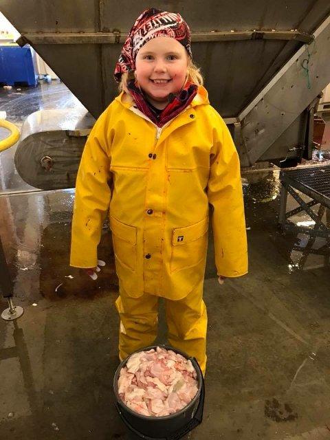 FORNØYD: Seks år gamle Oda Hansine Eide er strålende fornøyd etter å ha tjent over 18.000 kroner