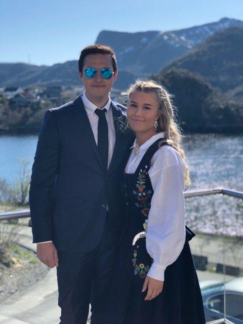 Fortvilte hundeeiere: Aleksander Fremnes og Kristina Mathisen har lett etter Jako siden mandag morgen.