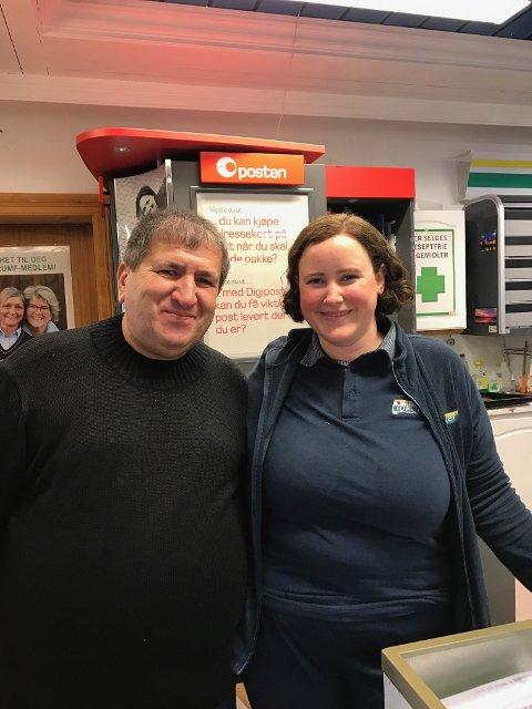 Kristin Arntzen sammen med Mohammad Hawwa som har vært i språkpraksis på Joker en dag i uka siden i høst.