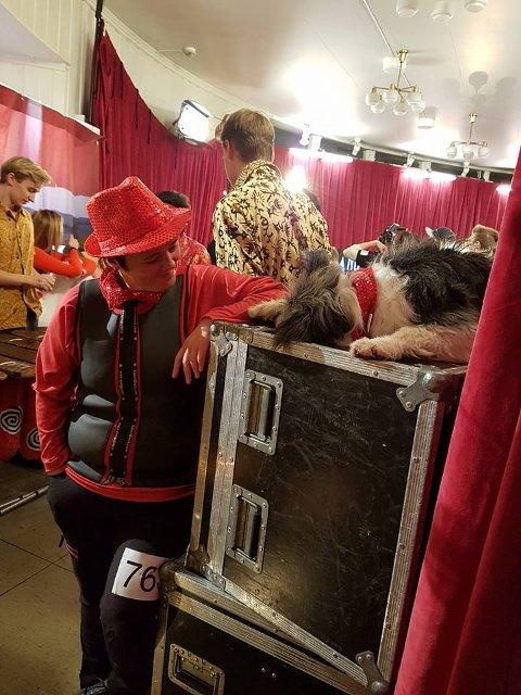 Vi ønsker Marianne Elise Methi fra Hobøl og hunden hennes Vega lykke til i fredagens opptreden i Norske talenter.