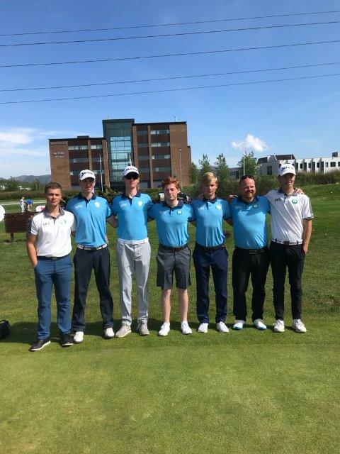 I GANG: Her er Moss & Rygge-gjengen samlet etter første runde i Srixon Tour.