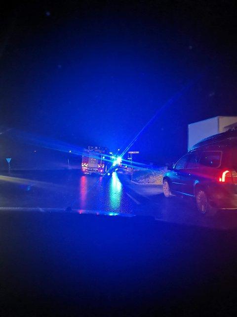 Nødetatene rykket ut da en mann kjørte av veien torsdag kveld.