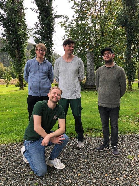 HURTIG PROSESS: Rune Baggerud (til venstre), David Skaufjord, Magnus Flåto og Emil Berntsen brukte to dager på innspillinga av «Conny vs. naturen».