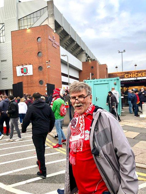 BEDRE DAGER: Ketil Bolkan Olsen har vært ihuga Liverpool-tilhenger i over 50 år og har sett nærmere 100 kamper live. Her fra en av mange turer til Anfield. Etter nyheten om Superliga-planene sier namsosingen han kommer til å melde seg ut av klubben.