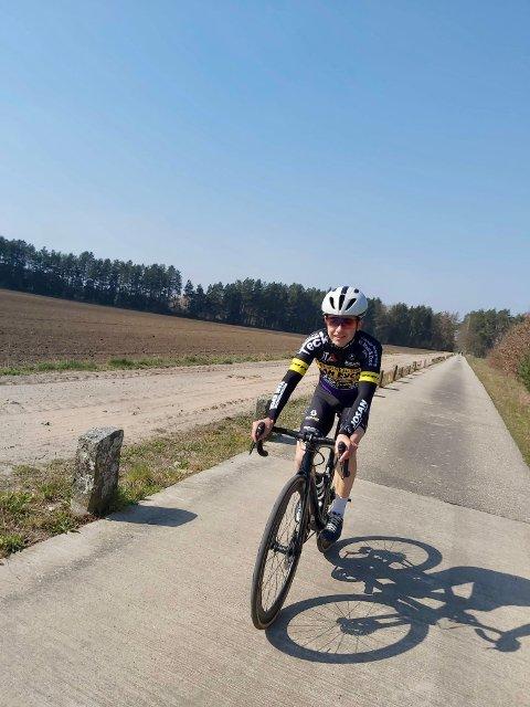 BRÅSTOPP: Vidar Vikestad rakk bare å kjøre to sykkelritt for sin nye klubb, Van Eyck Sport-Josan, før alle øvrige konkurranser ble avlyst i fjor. Nå håper rørvikingen på retur til Belgia, hvor han har fått forlenget kontrakten med elitelaget.