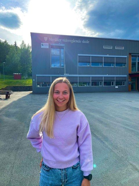 SELVSTENDIG OG SELVTILLIT: Dina Bratland avslutter skolegangen ved Meråker vgs med god selvtillit og føler årene har gjort henne veldig selvstendig.