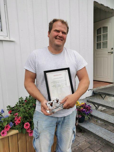 I NORGESTOPPEN: Knut Arne Busch driver melkeproduksjon på Holm i Bindal. Nå har han for første gang plassert seg på lista over melkeprodusenter som er i norgestoppen i melkeytelse.