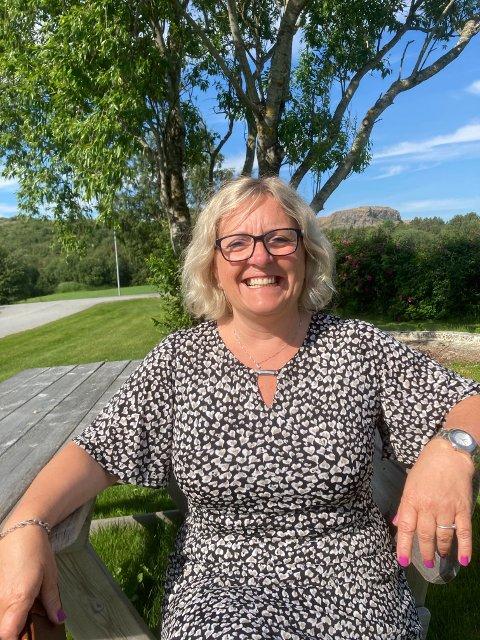 STATUS: Helga Bogen Størseth, kommunalsjef for helse og velferd i Leka kommune, forteller om status i arbeidet mot nytt helsebygg på Leka.