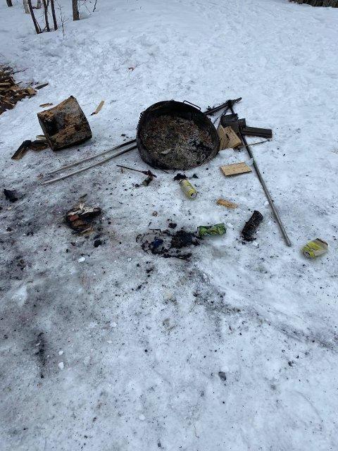 Slik så det ut ved Stokkan Alpinklubbs gapahuk og området rundt. Bildene er hentet fra klubbens Facebook-side.