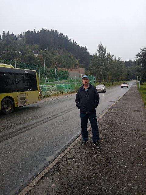 John Arne Vigen (48) er bekymret for trafikksituasjonen i Havstadvegen