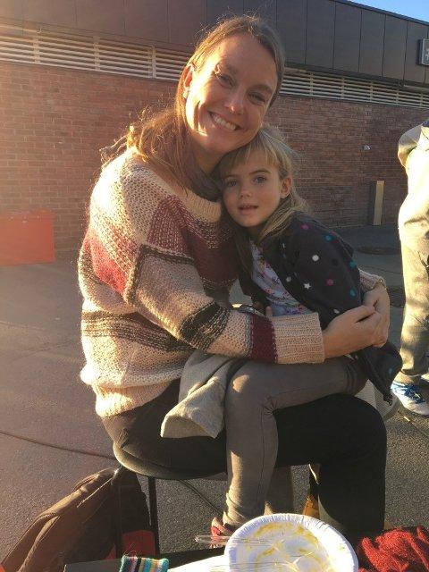 HYGGET SEG: Gro Almås tok med datteren for å spise suppe på Bogerud.
