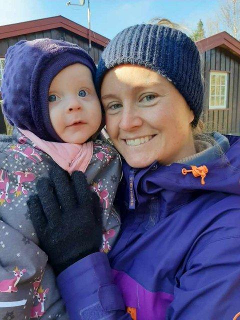 MYE BEDRE: Etter at Ida sin datter fikk hjelp hos fysioterapeut for småbarn har kroppen hennes følt mye bedre ut.