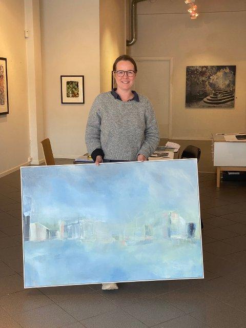 """Annette Hveem Narum med maleriet """"Sør"""" akryl på lerret 80x120cm"""