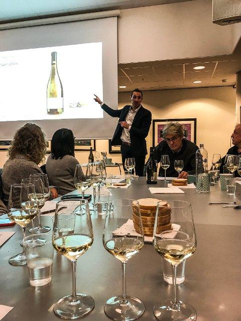 Det var ikke en ledig stol under gårsdagens foredrag om viner fra Chablis i Ås rådhus.