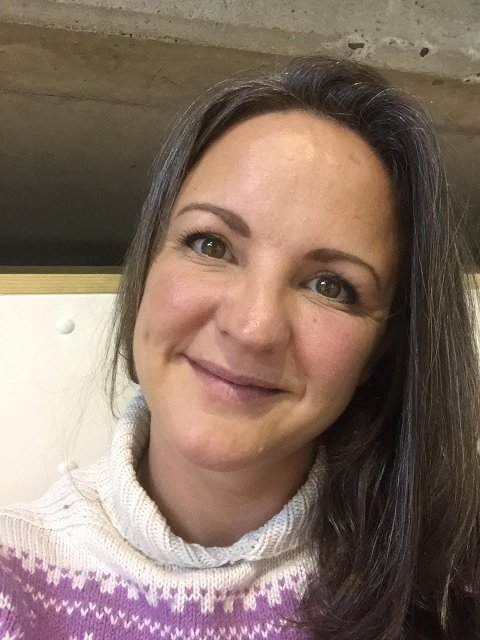 SLAG FOR LÆRERNE: Eidi Norheim er FAU-leder på Langhus skole. Hun syns det er på tide at noen slår et slag for lærerne.