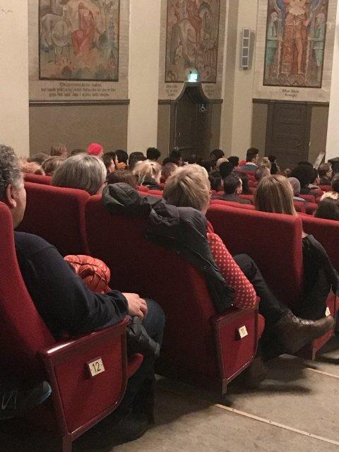 Ikke et sete var ledig i Munken under premieren på onsdag.