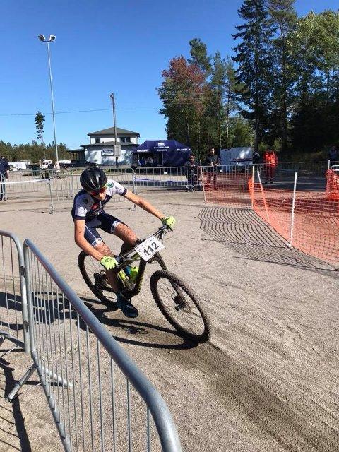 TREDJEPLASS: Kasper Rolfsen syklet inn til tredjeplass i norgescupen u terrengsykling i Halden.