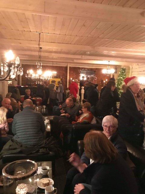 STINN BRAKKE: Mange besøkte julemarked i Tjølling lørdag.