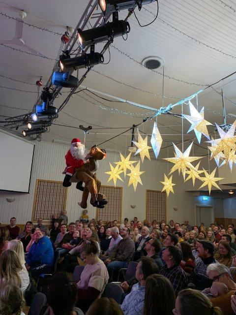 Julenissen kom ned fra taket på Bjerkely